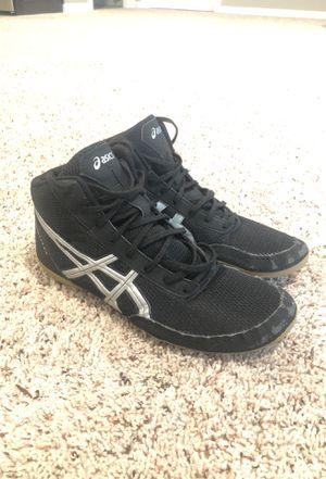 Photo ASICS Wrestling Shoes Size 11