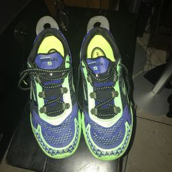 Great and light size 9 👟 tenis shoes for men. Thumbnail