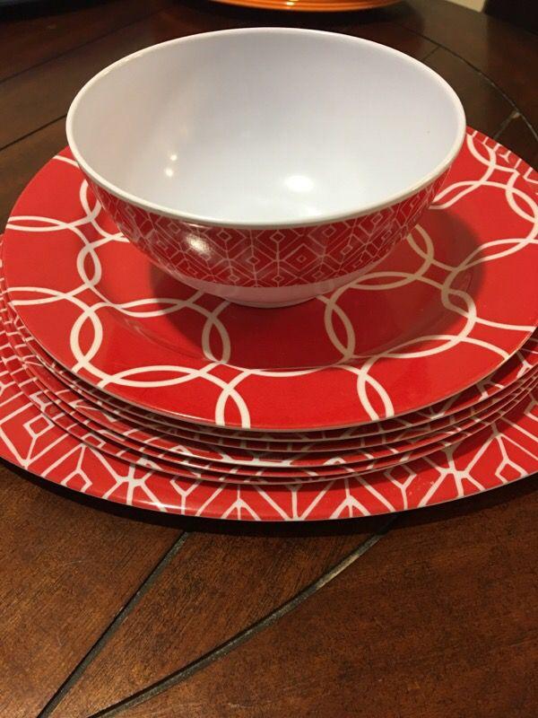 New set of 8 I bowl 6 plates one platter