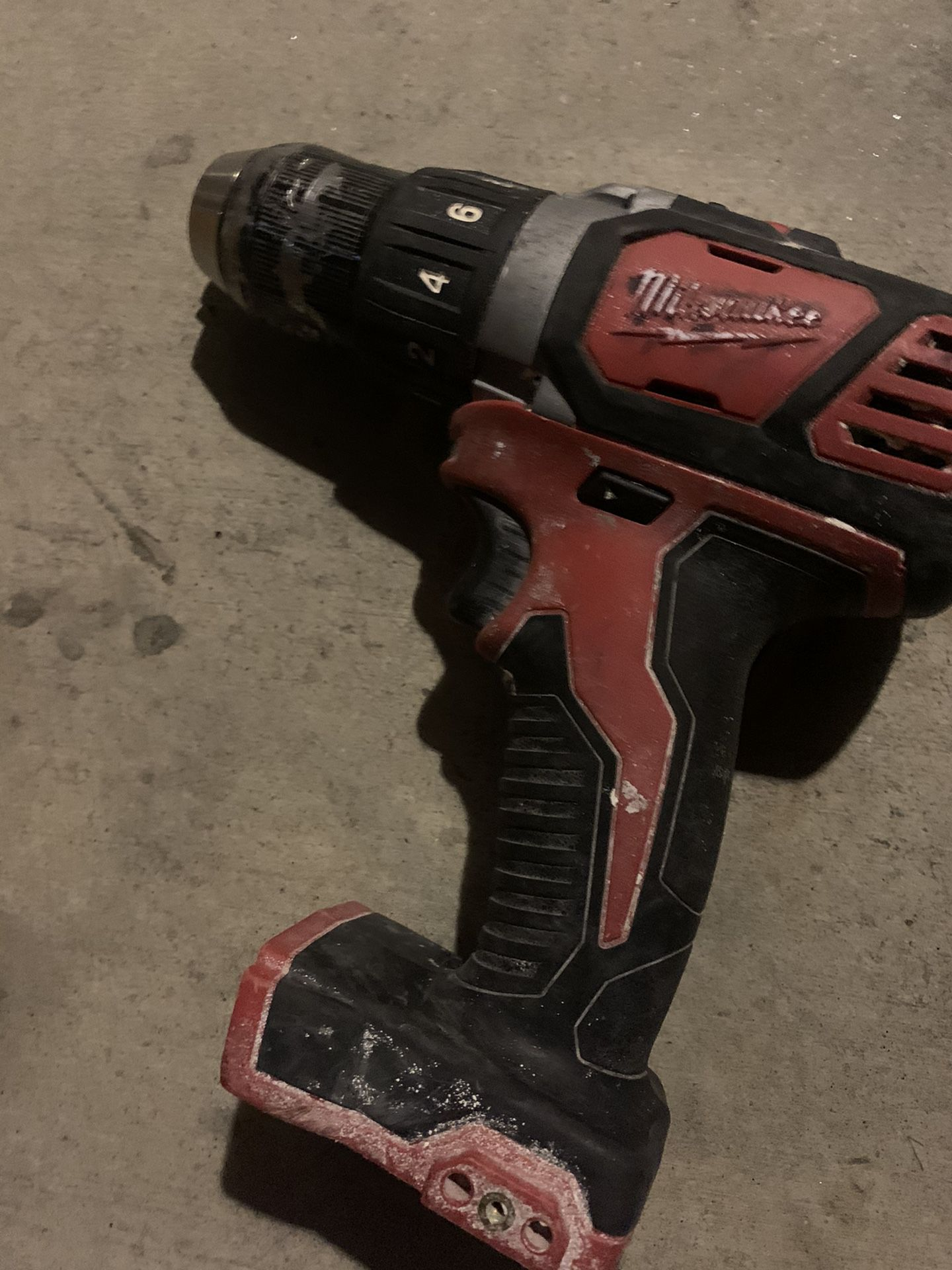 Milwaukee saw Nd drill asking 50$ firm sold as is we can test before buying