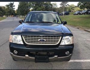 Ford Explorer 2005 título limpio 4x4 160 millas con Ispeccion de Virjinia todo al 100 for Sale in Laurel, MD
