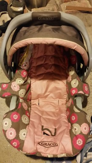 Infant Car Seat For Sale In Shelton CT 2000 Graco SnugRide Click Connect 30 35 LX