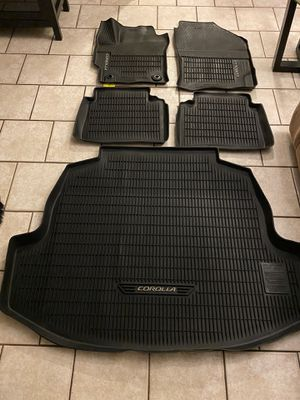 Photo TOYOTA COROLLA BLACK RUBBER ALL WEATHER FLOOR MATS AND CARGO TRAY, FITS 2020 ONLY