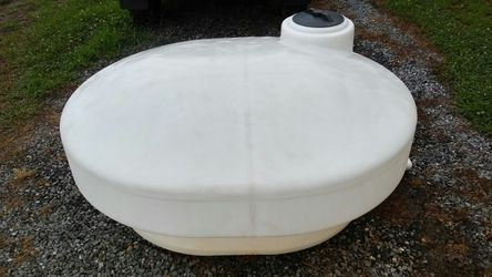 Real water tank . extra clean has only had water in it live stock safe drinking water or pool water Thumbnail