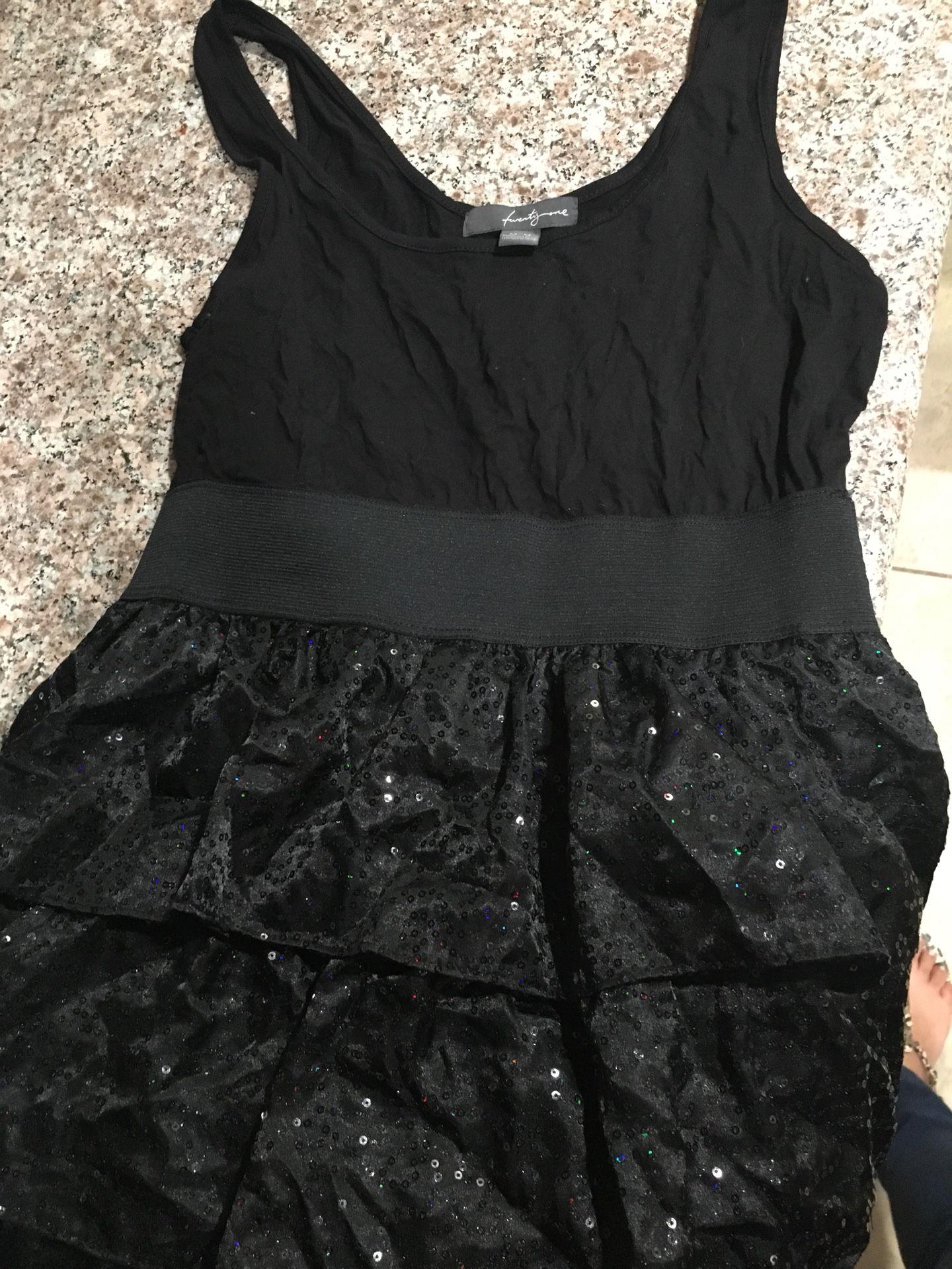Cute ruffle dress size M