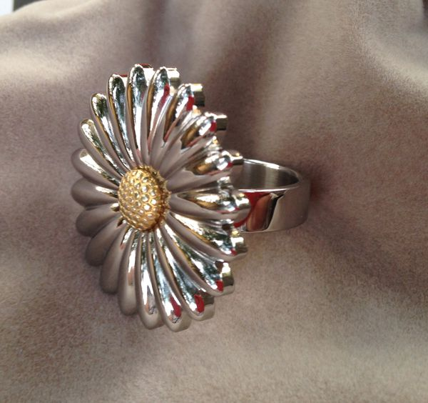 Sz 89 Qvc Stainless Steel Daisy Flower Ring Brand New Will Ship