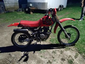 Photo 2001 Honda xr100 parts or fix