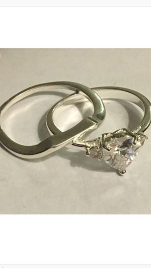 BRAND NEW WOMANS GORGEOUS ENGAGEMENT WEDDING BAND SET . for Sale in Phoenix, AZ