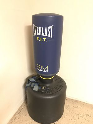 EVERLAST F.I.T Punching bag for Sale in San Francisco, CA