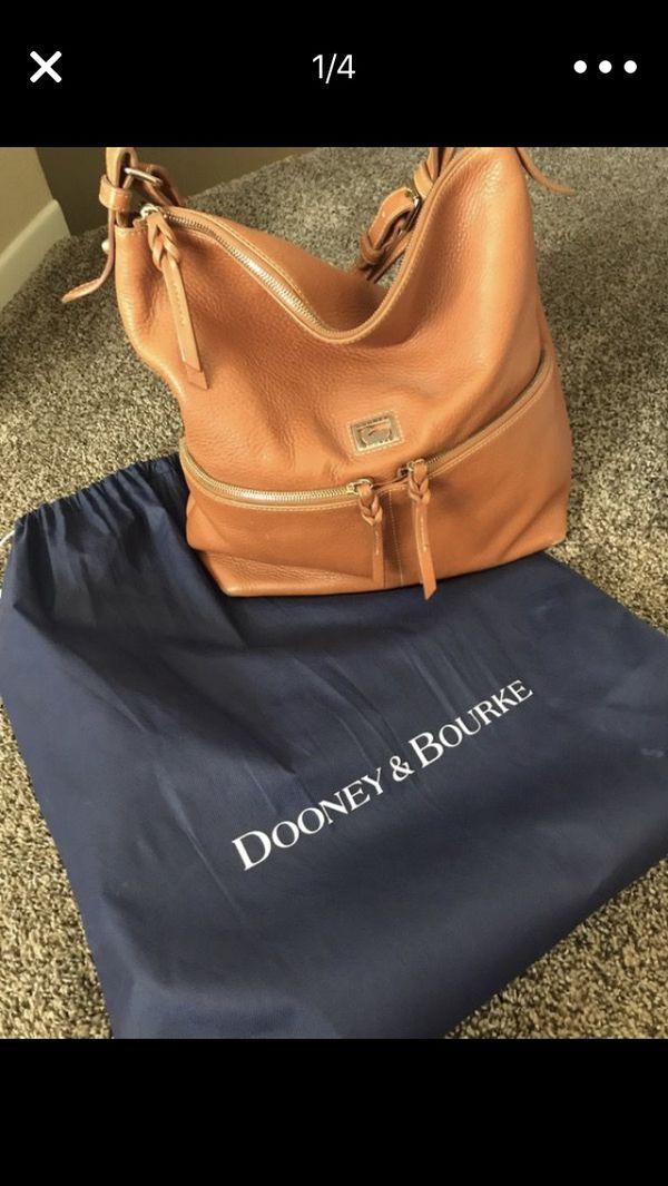 054aae75bd Authentic Dooney   Bourke Pebble Grain Zipper Pocket Sac Shoulder ...