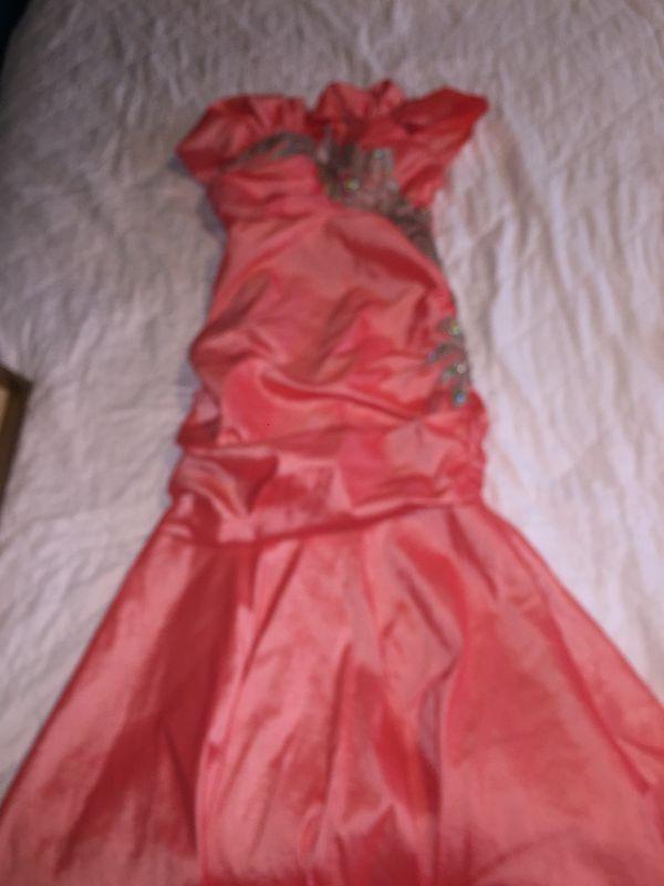 Vestido para fiesta de noche coral talla mediana for Sale in Los ...