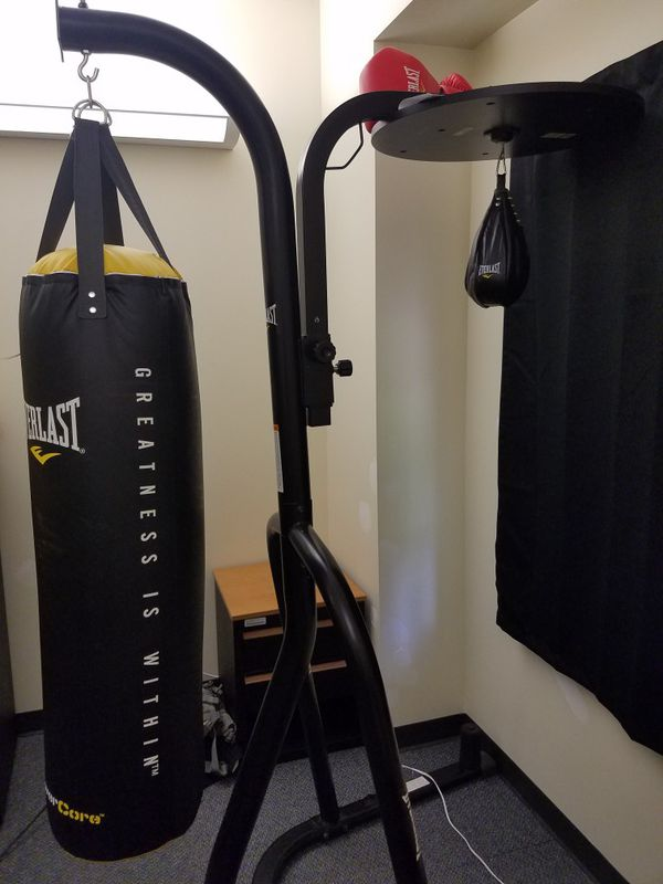 7fd58c1c09c Everlast Boxing set (Sports   Outdoors) in Tacoma
