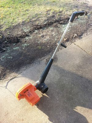 Black and Decker edger works great for Sale in Glen Burnie, MD