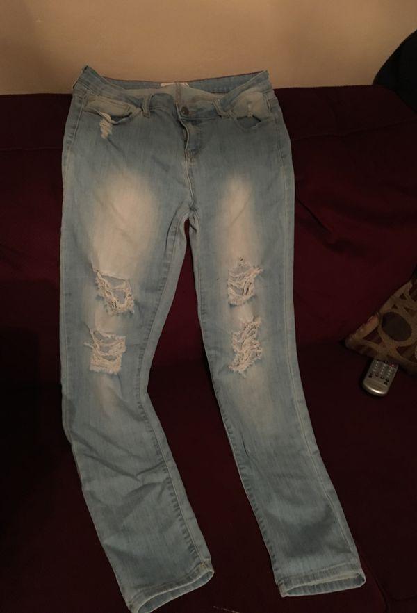 ed0815f957 Women s ripped light blue jeans for Sale in Rosemead