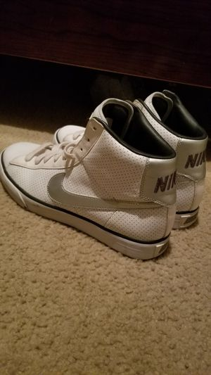 Nike high top size 9 1/2 for Sale in Matthews, NC
