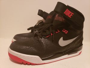 Nike Air Revolution Size 10 for Sale in Richmond, VA