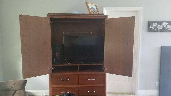 Solid Oak Wood Dresser Tv Stand And Desktop Not Included Furniture In West Palm Beach Fl Offerup
