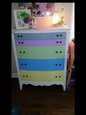 Antique full size childs dresser for Sale in Fuquay Varina, NC