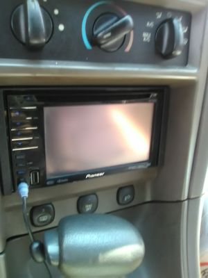 Pioneer head unit for Sale in Damascus, MD