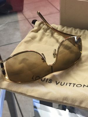 Louis Vuitton Sunglasses Gorgeous, Perfect Condition! for Sale in Scottsdale, AZ