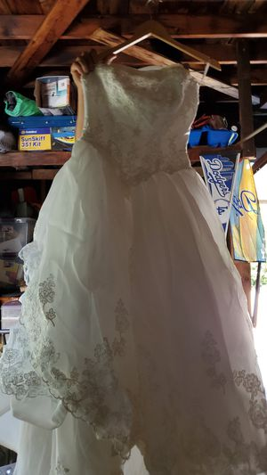 Wedding dresses in Pomona