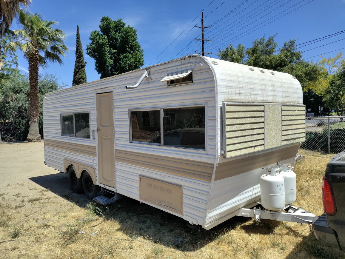 Photo Project Camper In Good Shape Ready To Go Need Some Love And Finishing Touches