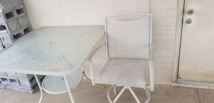 Photo High top patio table with 1 chair