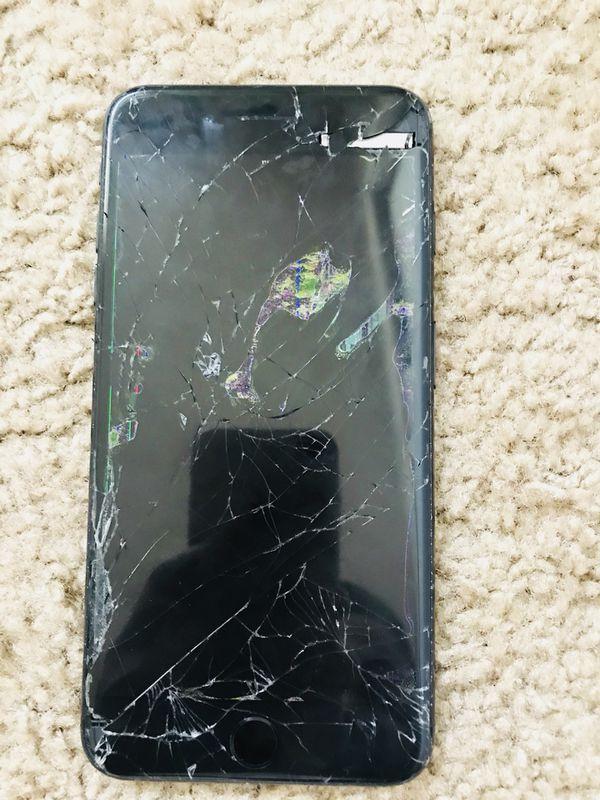 brand new a86c6 76564 Unlocked IPhone 7 Plus - Broke Screen for Sale in Lynnwood, WA - OfferUp