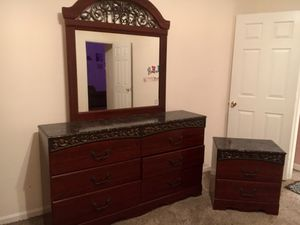 Mahogany wood dresser and nightstand set. One owner. Great condition for Sale in Stafford, VA