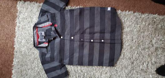 Camisas Usadas Como Nuevas Size 10  A. 12 $5 Las Nuevas $3 LAS USADAS  Aprovecha  Thumbnail