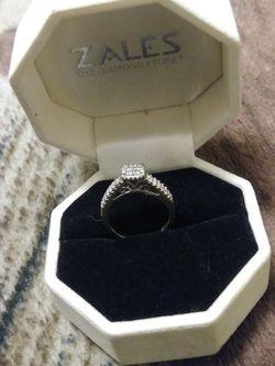 10kt .50 ct Diamond Ring Size 5,1/2 Thumbnail