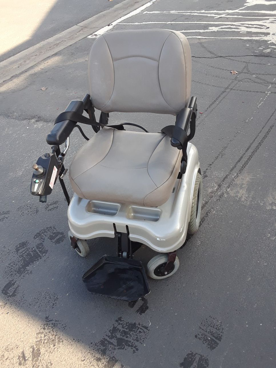 POWER CHAIR for in house mobility this power chair will spin in a circle turn very tight corners and will accommodate up to 450 lbs.
