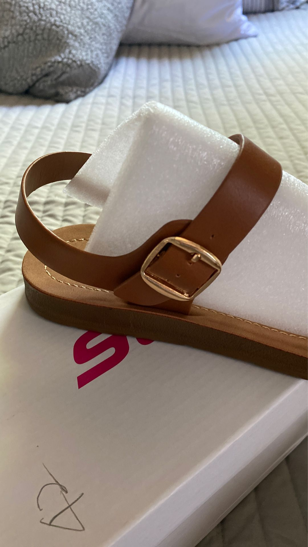 """Women""""s Ankle Strap Size 10 Sandals BRAND NEW!!"""