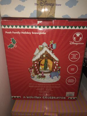 Pooh Family Holiday SnowGlobe for Sale in Montgomery Village, MD