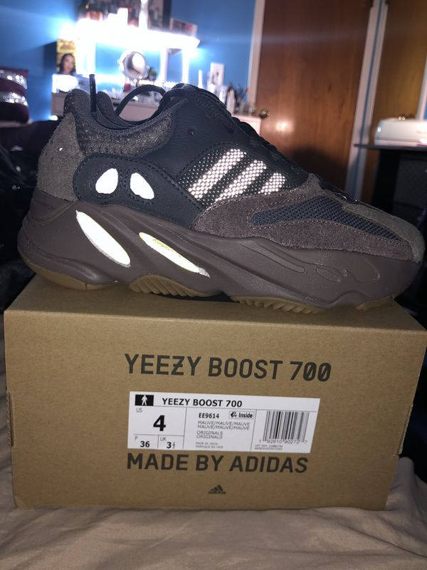a4fdca8b1 BRAND NEW YEEZY 700 MAUVE SIZE 4US for Sale in Paterson