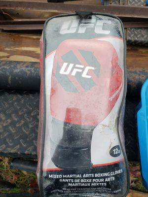 12 oz UFC martial arts boxing gloves for Sale in Willis, TX
