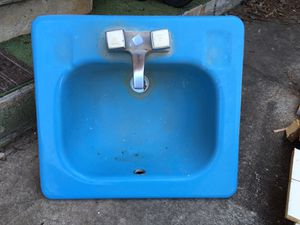 Photo Matching Baby Blue - Sink and toilet from the 70,s