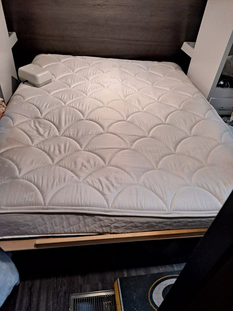 Photo Queen Size Sleep Number Bed For A Camper