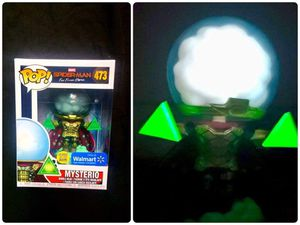 Photo (glow in the dark) Walmart Mysterio exclusive pop (free marvel mystery gift included)