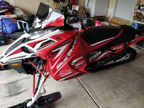 Yamaha sidewinder xtx le 141 snowmobile