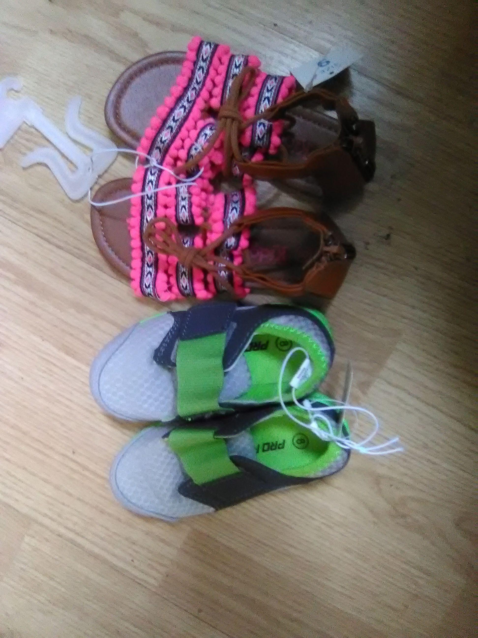 2 Brand new paír never worn
