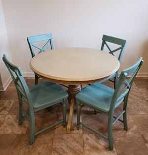 Round Dining Table w/ Four Chairs for Sale in Inwood, WV