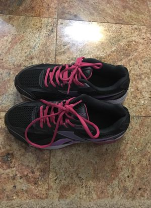 be4d8b3d7 Reebok tennis shoes women size 8.5 for Sale in Chino Hills