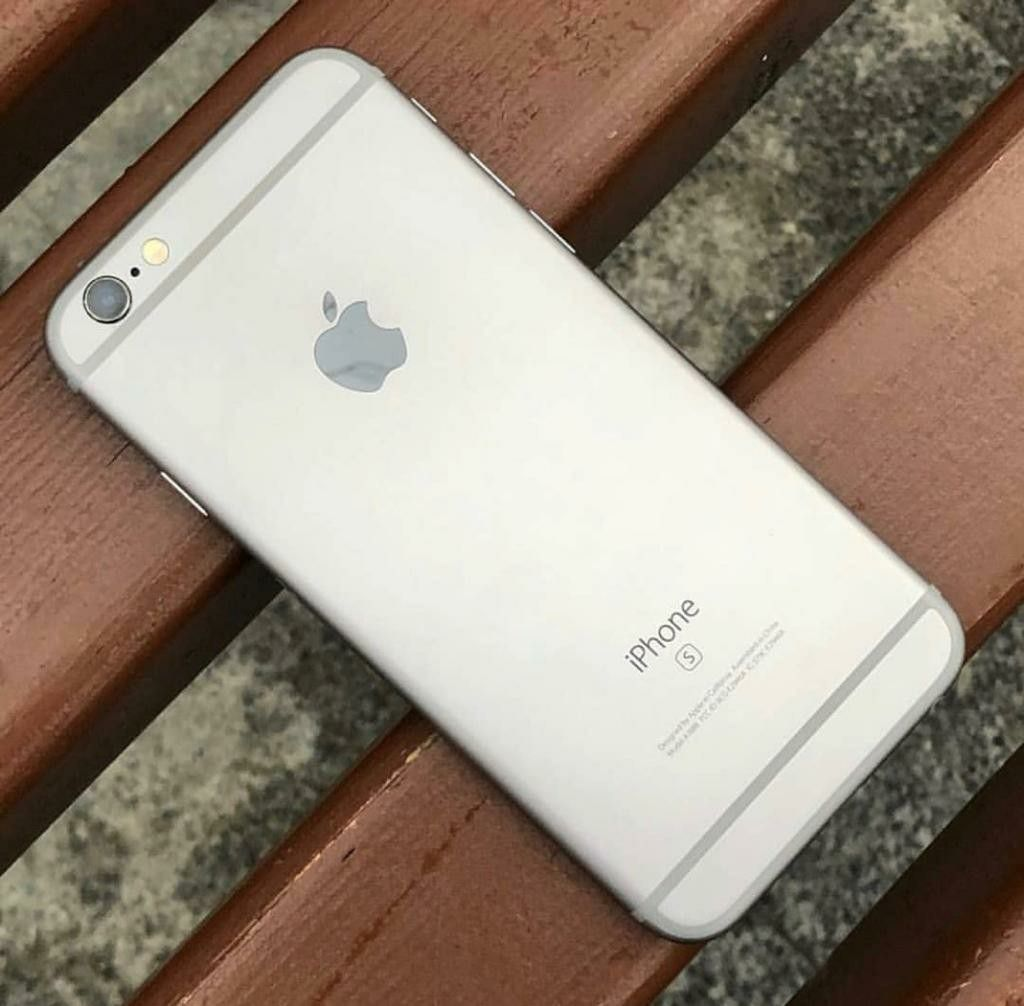 Apple iPhone 6S Unlocked Excellent Condition