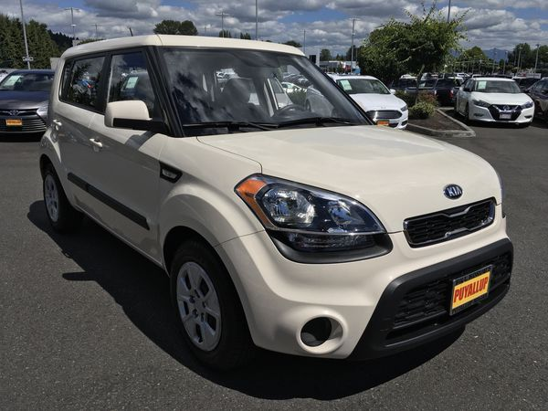 2013 Kia Soul Base, 6 Speed Manual Transmission, 82,000 Miles! for Sale in  Puyallup, WA - OfferUp