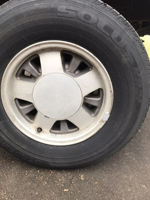 Photo 15'' rims with tire