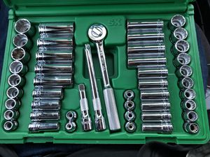 "47 PIECE 3/8"" DRIVE 12 PT STD AND DEEP SAE AND METRIC SOCKET SET for Sale in Denver, CO"
