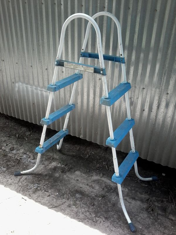 Swimming Pool Ladder for Sale in Port Acres, TX - OfferUp
