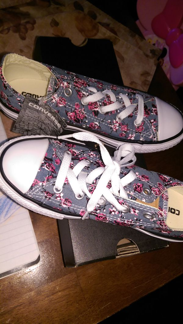 2a97468a0e60 Brand New-Never Worn Girls Converse Shoes for Sale in Collinsville ...
