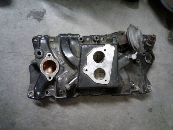 Edelbrock Performer tbi Intake Manifold for a camaro silverado etc for Sale  in Los Angeles, CA - OfferUp